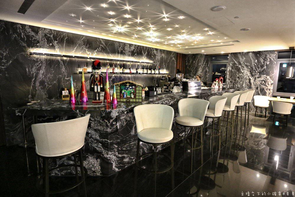 台北宿之酒店| 法蘭西新料理餐廳,17樓高樓層俯瞰淡水河浪漫夜景