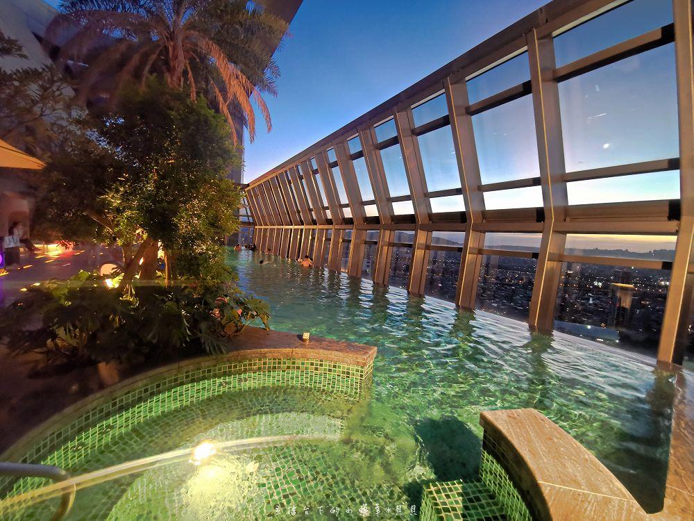 新板希爾頓房價優惠高空泳池豪華套房